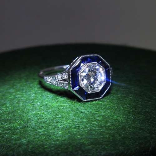 Vintage Style Sapphire & Diamond Ring