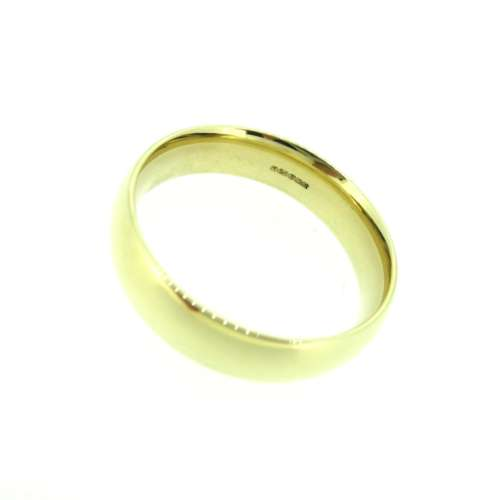 Gold Court Wedding Ring